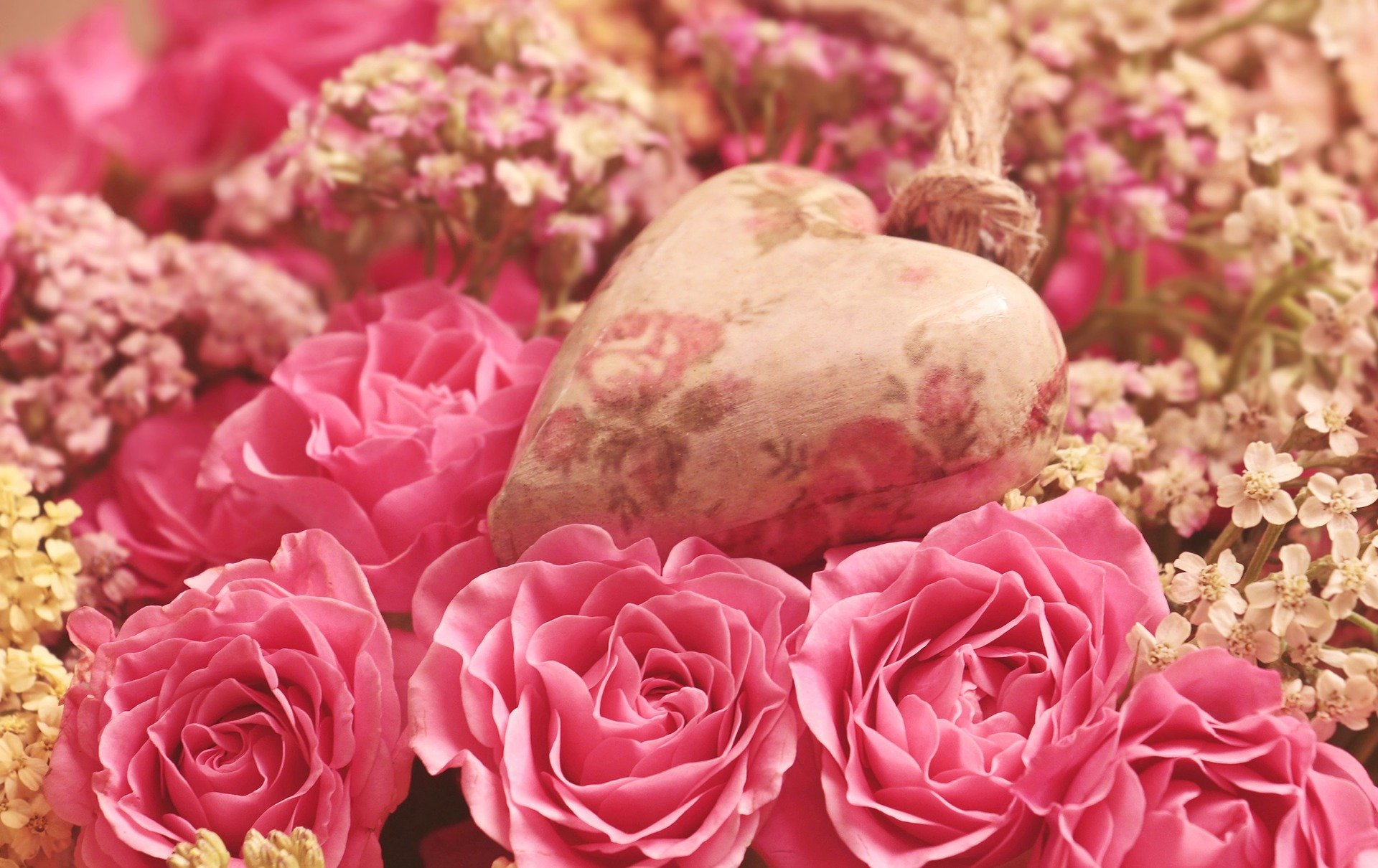 http://www.althea-fleurs.com/wp-content/uploads/2020/01/roses-3699995_1920-1.jpg
